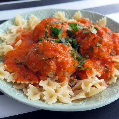 Pulpety z sosem cynamonowo- pomidorowym