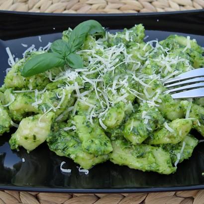 Gnocchi z pesto szpinakowym