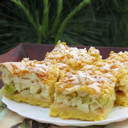 Ciasto kruche z rabarbarem, jabłkami i kruszonką