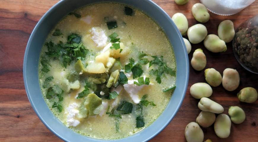 Zupa z młodych ziemniaków i bobu